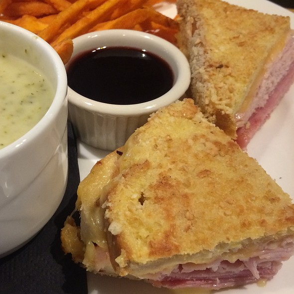 Monte Cristo Sandwich - Dusty's Wine Bar, Okemos, MI