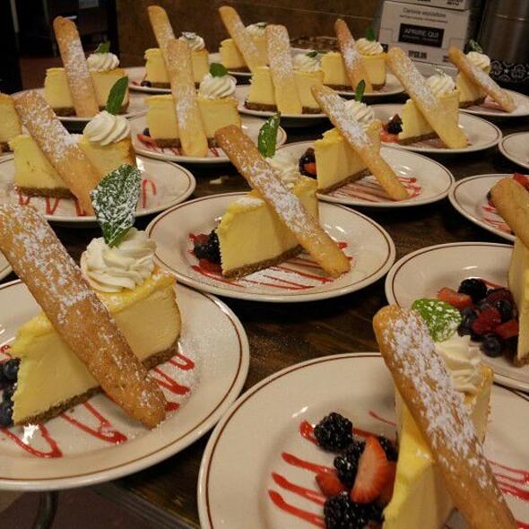 Rusty's Famous Cheesecake - Daniel's Broiler - Bellevue, Bellevue, WA