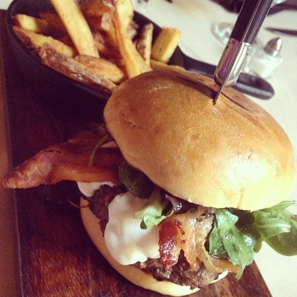 Burger - Portalia, Astoria, NY