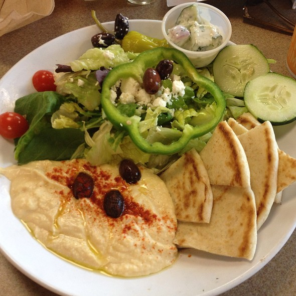 Zoes Kitchen Hummus And Salad Plate Foodspotting