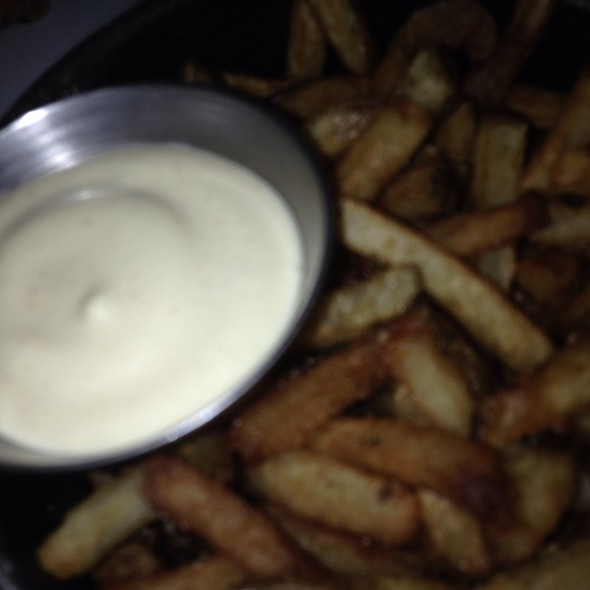 Blurry Fries And Mayo - Grinder, Montréal, QC