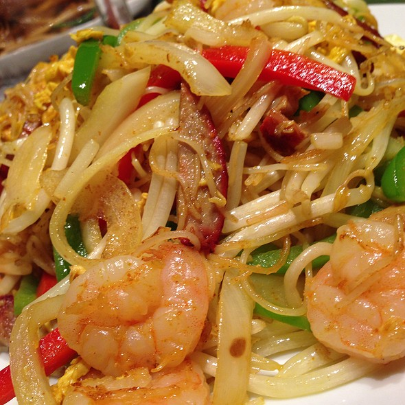 Singapore Curry Rice Noodles - Dragon Noodle Co. - Monte Carlo, Las Vegas, NV