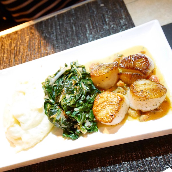 Seared Scallops - Black's Bar & Kitchen, Bethesda, MD