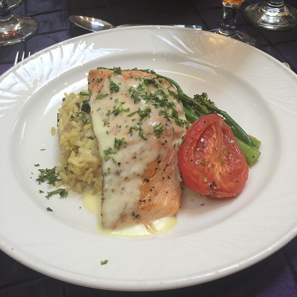Salmon - Coastal Restaurant & Bar – Hilton Charlotte Center City, Charlotte, NC