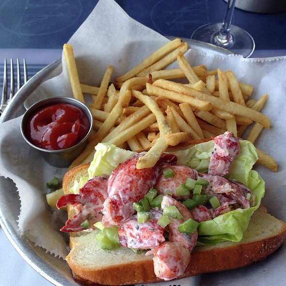 lobster roll - Harbor House, Milwaukee, WI
