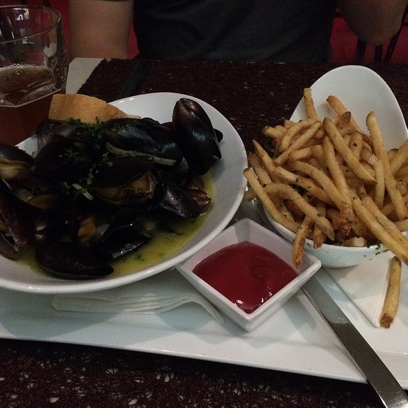Moules And Frites - Angelique Euro Cafe, Coral Gables, FL
