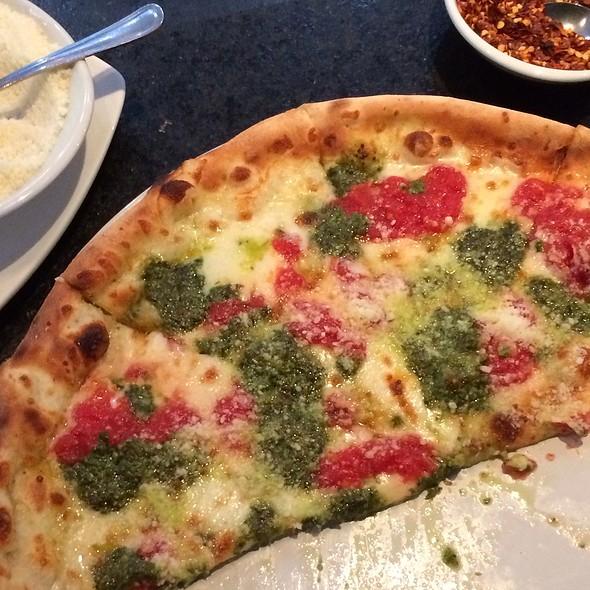 Italiana Pizza - Francesco's Ristorante & Pizzeria, Maitland, FL