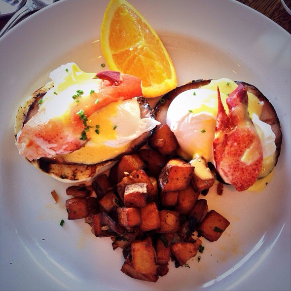 Lobster Benedict - The Bell & Anchor, Sag Harbor, NY
