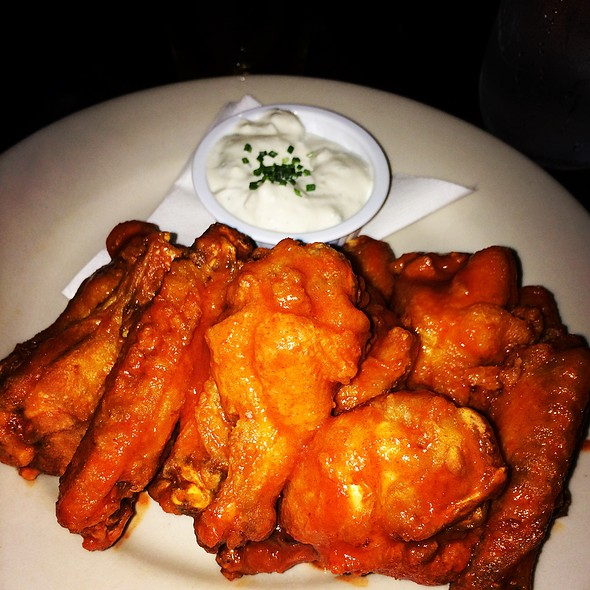 Buffalo Wings - Johnny Utah's, New York, NY
