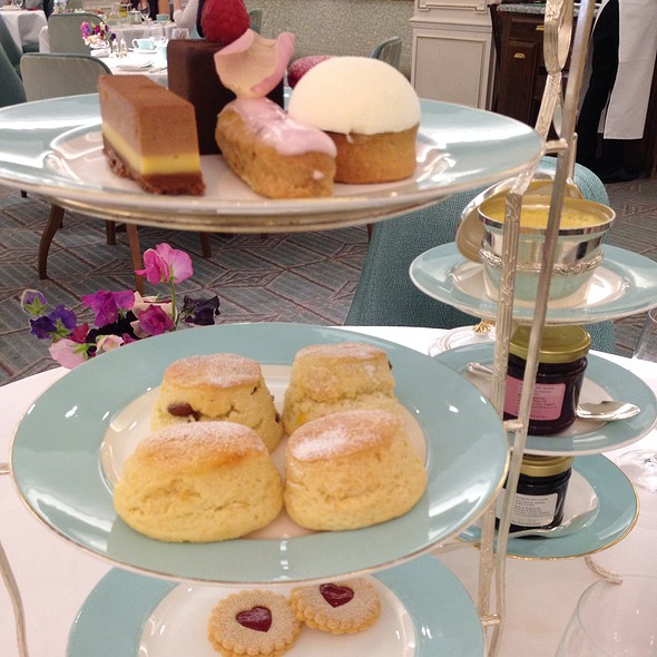 Afternoon Tea - Fortnum & Mason - Wine Bar, London