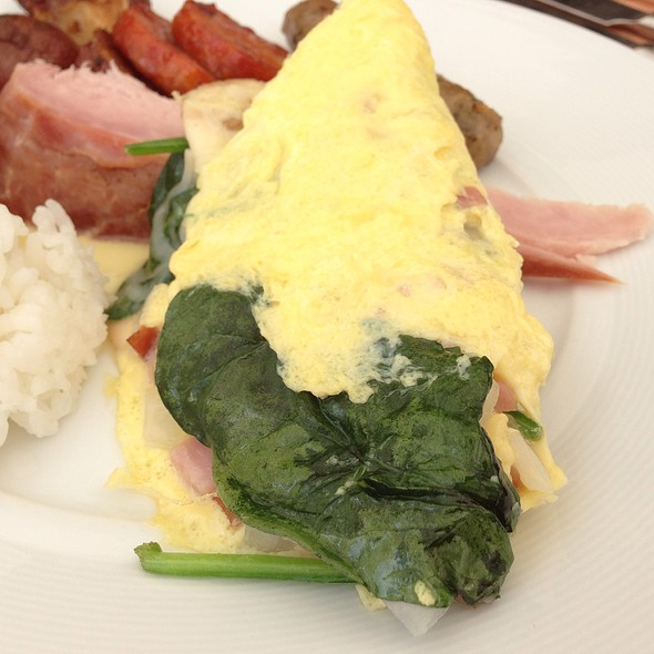 Made To Order Omelette - Plumeria Beach House, Honolulu, HI