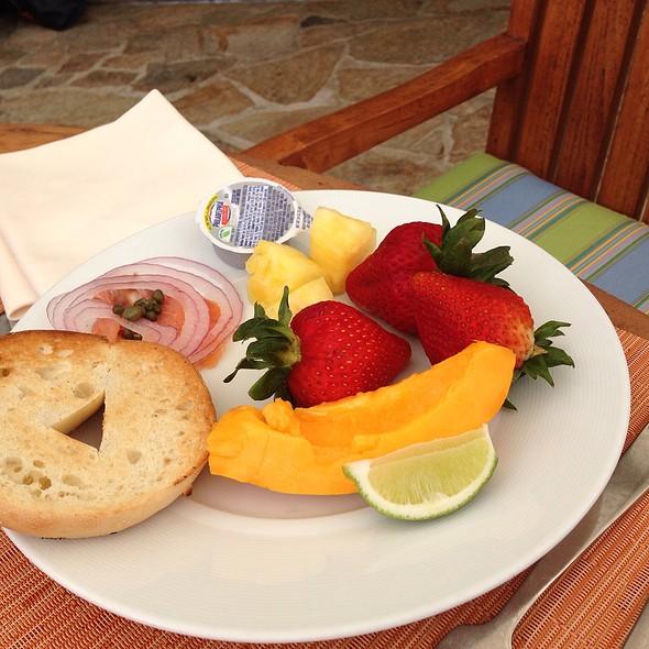Breakfast Buffet - Plumeria Beach House, Honolulu, HI