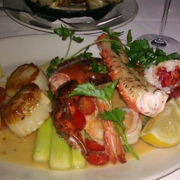Shellfish Pan Roast - 801 Chophouse – Kansas City, Kansas City, MO
