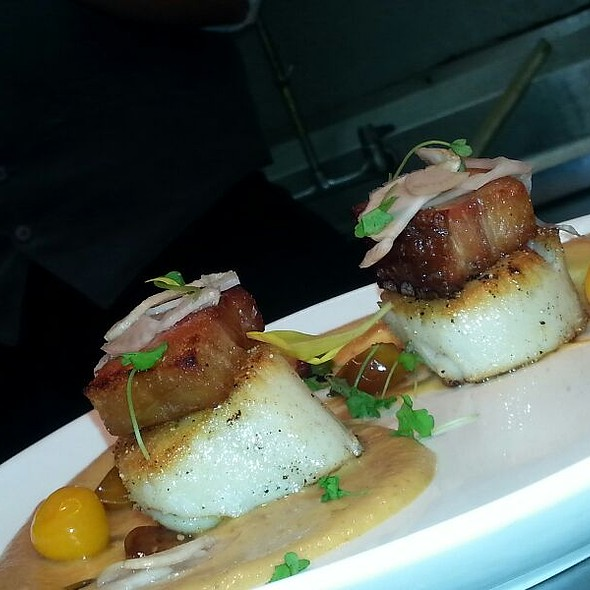 Arborio crusted scallops with chipotle infused sun choked puree, bacon lardoons and gooseberry's . - Verde Wine Bar and Ristorante, Deer Park, NY