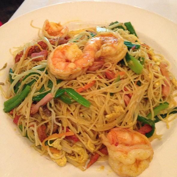 Seafood Singapore Noodles - Ming Court, Orlando, FL