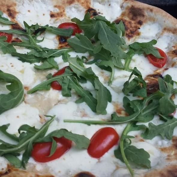 Pizza Con Bufala E Pomodorini - Baci Abbracci, Brooklyn, NY
