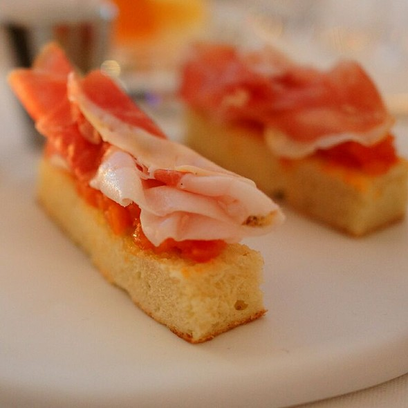 Parma Ham And Tomato Sandwiches - Hélène Darroze at the Connaught, London