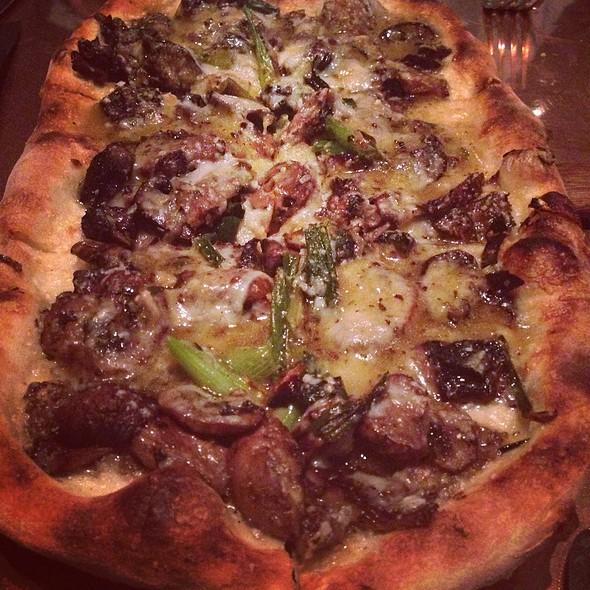 Mushroom Pizza - Buccan, Palm Beach, FL