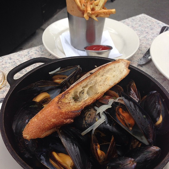 Prince Edward Island Mussels - Marlow Bistro, New York, NY