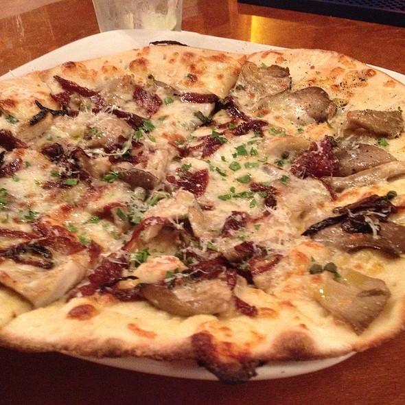 Mushroom Pizza - Bar Cento, Cleveland, OH
