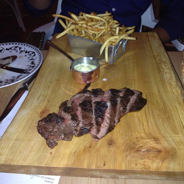 Steak Hanger 10 Hz - Cluny, Toronto, ON
