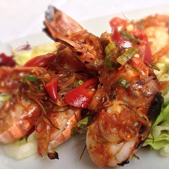Plah Goong Pao - Sri Suwoon Thai Restaurant, London