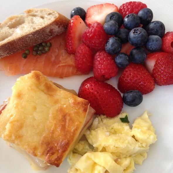 Breakfast Buffet - Cafe Du Parc, Washington, DC
