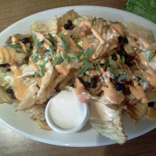 Firehouse Chicken Nachos - Upstream Brewing Company - Legac, Omaha, NE