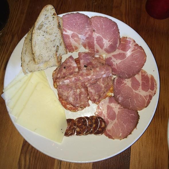 Meat Plate - Apizza Scholls, Portland, OR