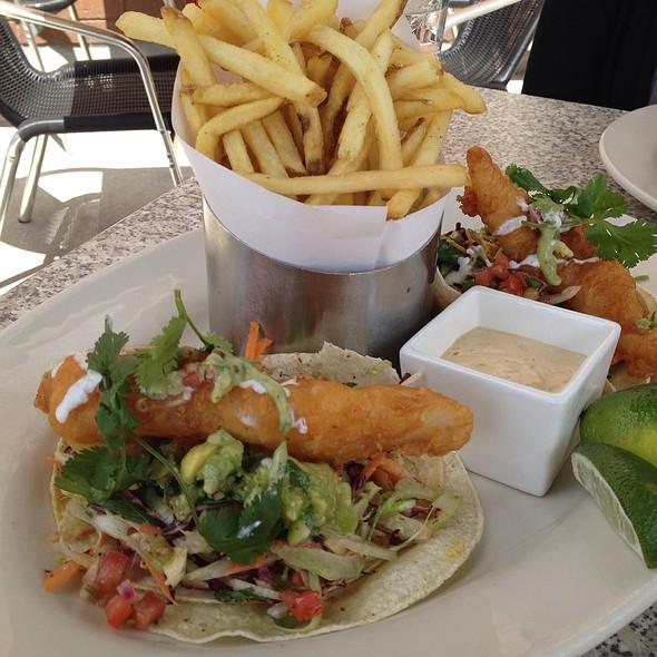 fish tacos - Elixor, Dollard-Des-Ormeaux, QC