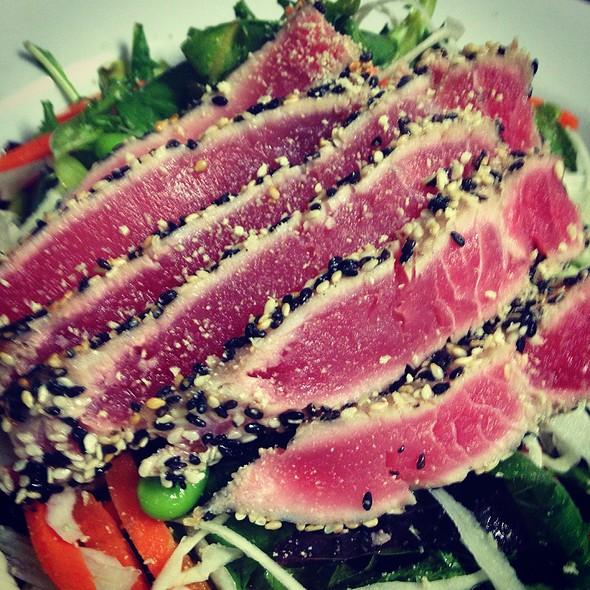 Wasabi Ahi Tuna Salad - AquaTerra Grille, Pearl River, NY