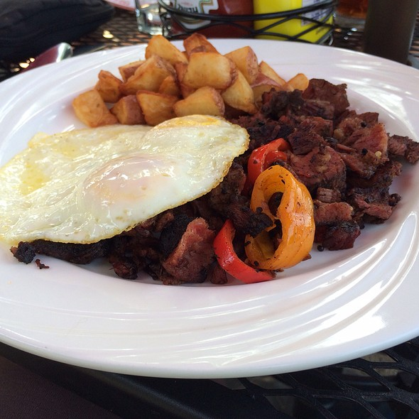 Smoked Corned Beef Hash And Egg - Wild Wolf Brewing Company, Nellysford, VA