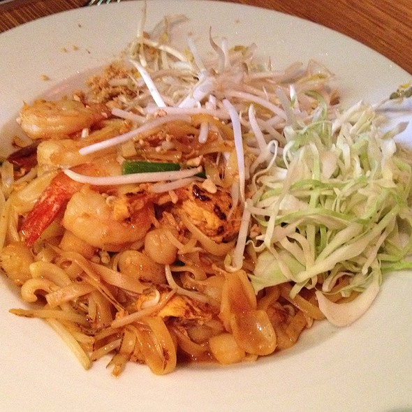 Seafood Pad Thai - Brodard Chateau, Garden Grove, CA