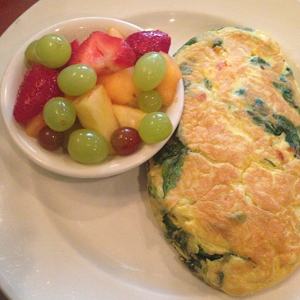 Spinach And Feta Omelette With Fruit - Symphony's Cafe, Evanston, IL