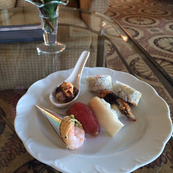 Club Lounge Canapes - The Lobby Lounge @ The Langham Hotel Pasadena, Pasadena, CA
