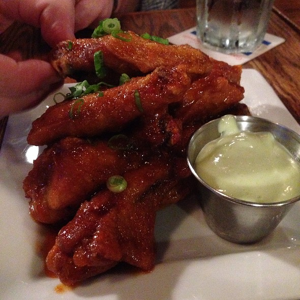 Siracha Wings - Goose Island Brewery, Chicago, IL