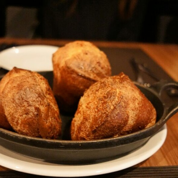 Cheese Bread - Jacobs & Co. Steakhouse, Toronto, ON