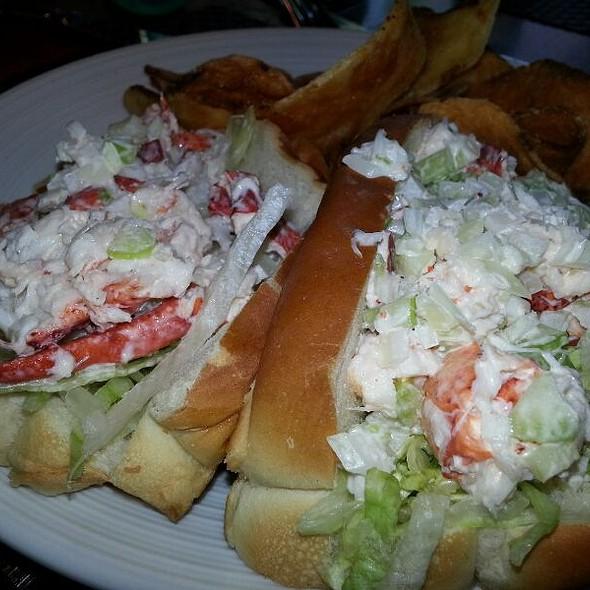 New England Lobster Roll - Lambertville Station, Lambertville, NJ