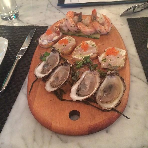 Oysters - Due Mari, New Brunswick, NJ
