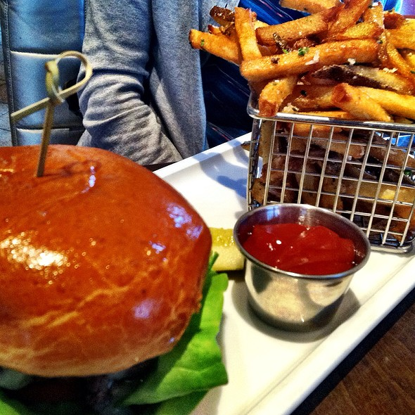 Cheddar Burger  - Arterra, San Diego, CA