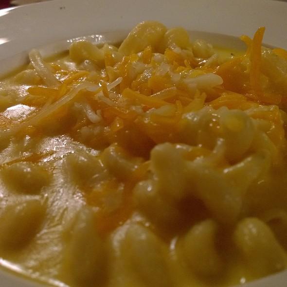 Truffled Mac and Cheese - Hoist House Restaurant at Swiftwater Cellars, Cle Elum, WA