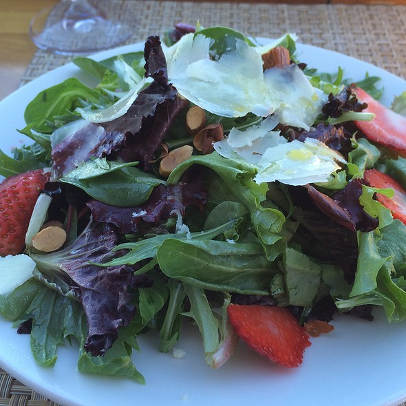 Strawberry Salad - Nourish Grill - Mill Valley, Mill Valley, CA