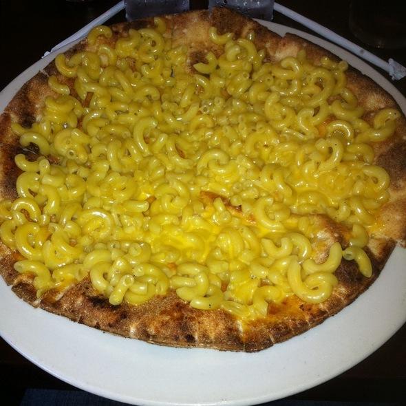 Macoroni And Cheese Pizza - Graziano's - Chicago, Niles, IL