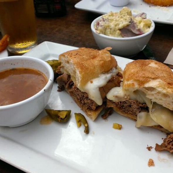 Roast Beef Sandwhich - Buttonwood Grill, Lahaska, PA
