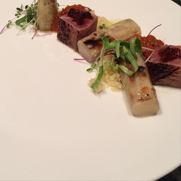 Tuna With White Asparagus - RRR Kobe Beef Steak, 港区, 東京都