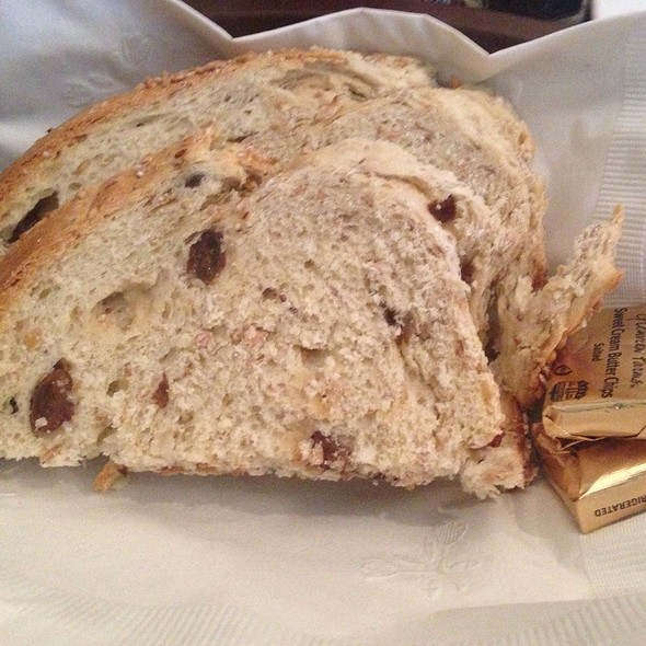 raisin bread - Bilbo Baggins, Alexandria, VA