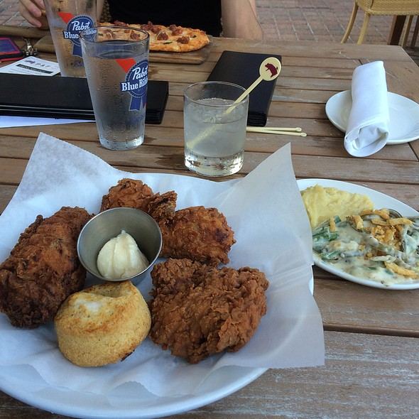 Fried Chicken, Green-Bean Casserole, Fried Green Tomatoes, Sweet Tea - Pig & Finch Gastropub, Leawood, KS