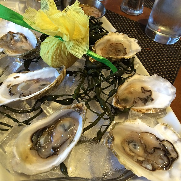 East Coast Oysters - Park West Tavern, Ridgewood, NJ