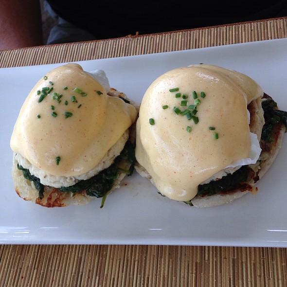 Eggs Benedict With Crabcakes - DUO - Steak & Seafood, Wailea, HI