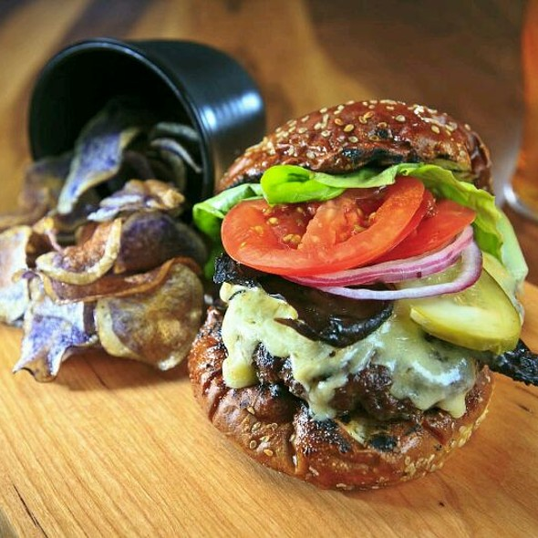 C.A.B. Chuck Burger - Lure Restaurant & Bar - Delta Victoria Ocean Pointe, Victoria, BC